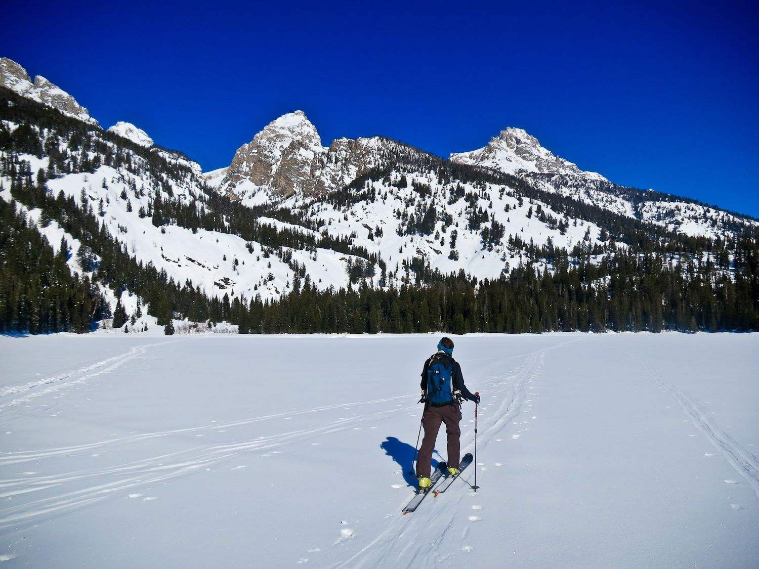 Alpine ski resorts plagued by lack of snow - Katie Skinning Across Bradley Lake
